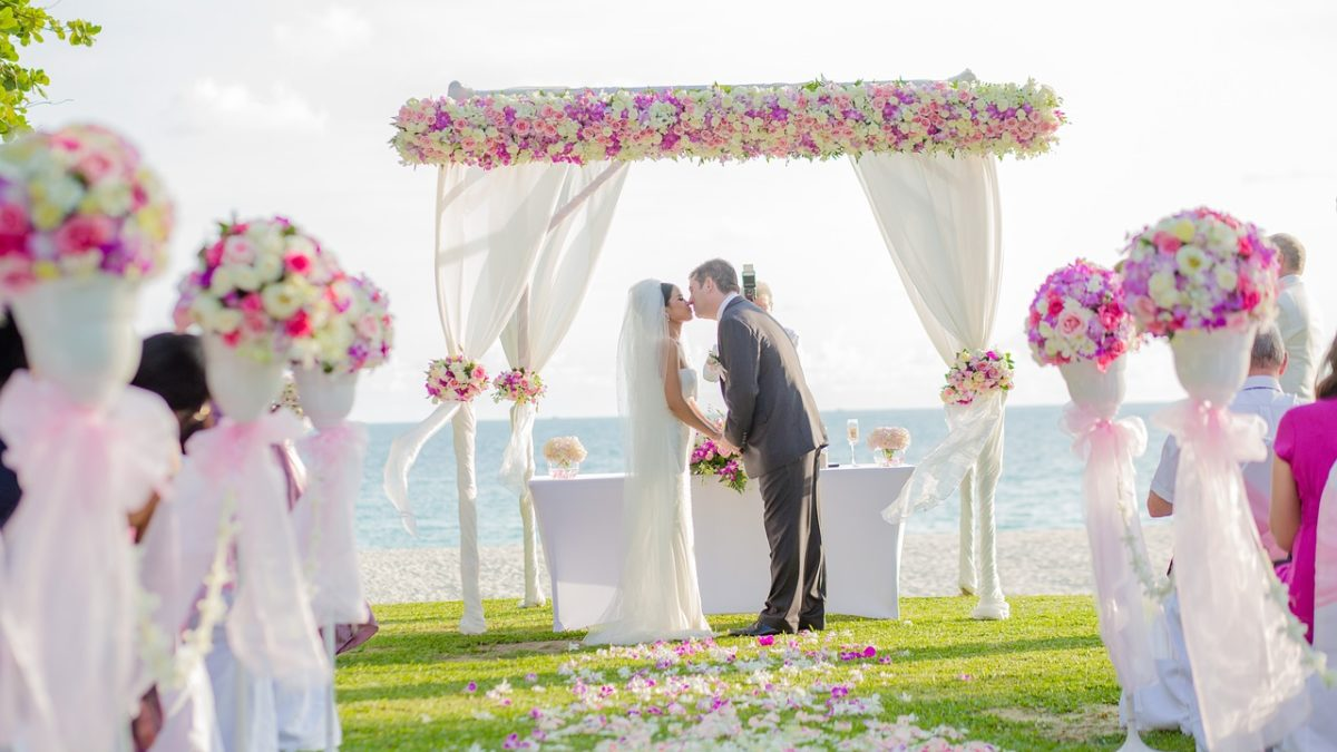 Beach Wedding: How to Plan the Picture-Perfect Beach Wedding