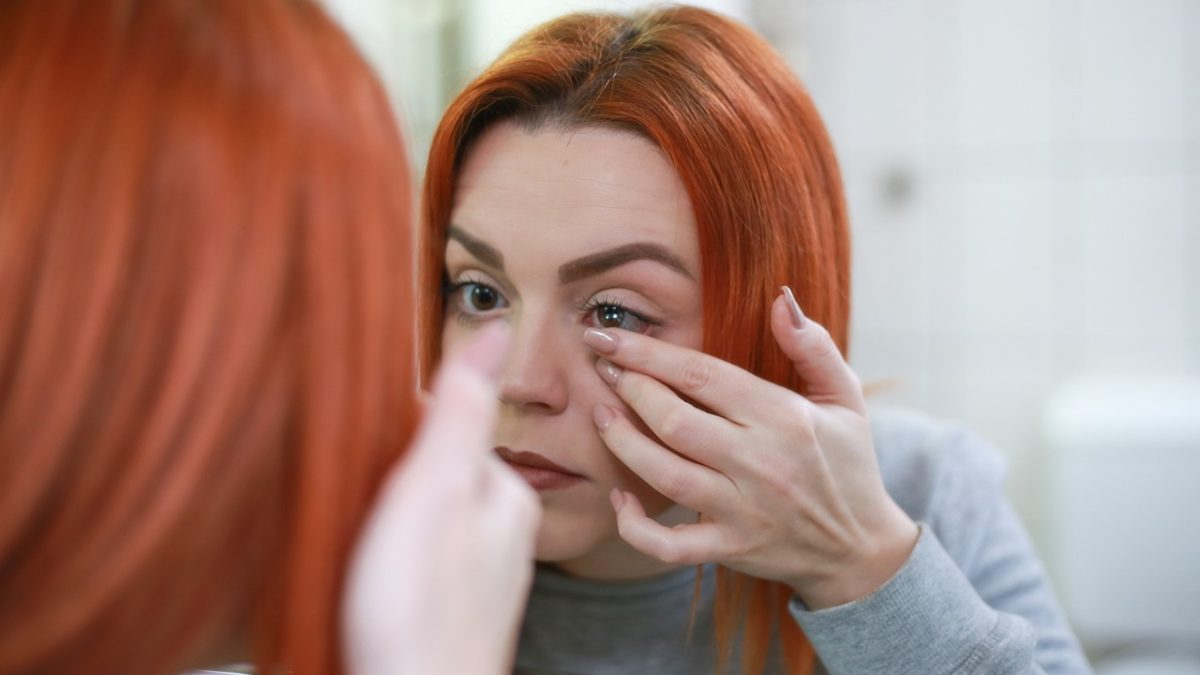 Contact Lens: Best Natural Contact Lenses in the Golden Brown!