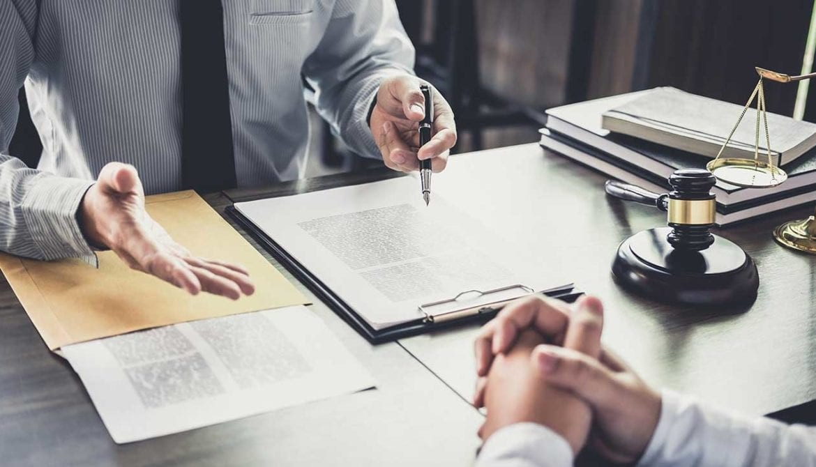 4 Ways to Help Your Personal Injury Lawyer as a Client