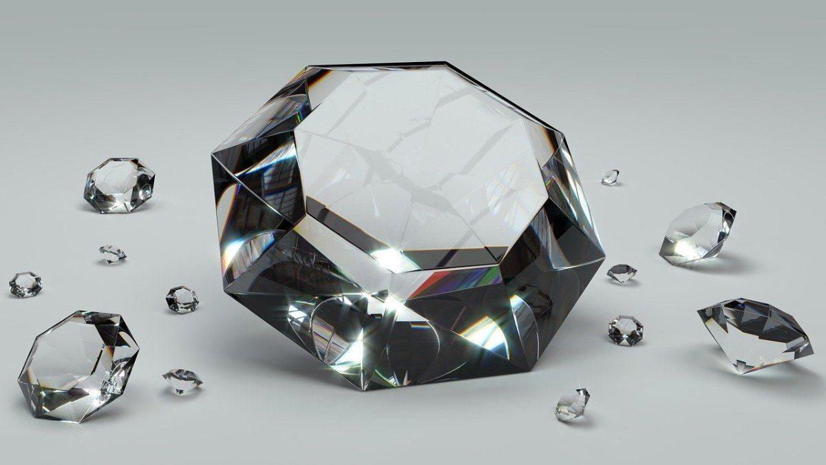 Moissanite vs. Diamond: Beauty, durability, and Price