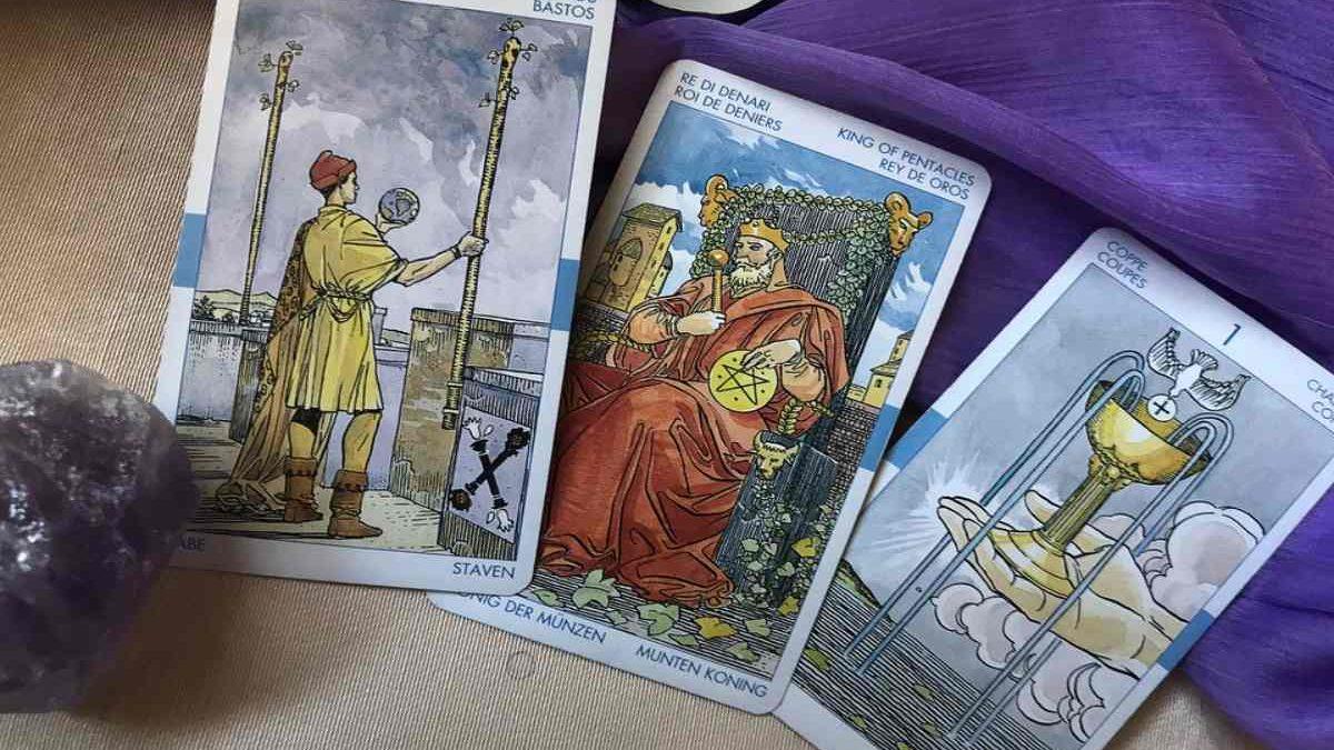 An Overview of Love Tarot Cards
