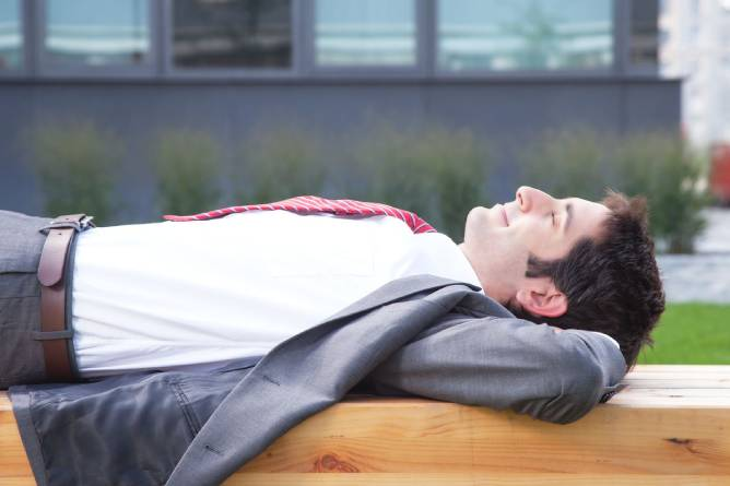 8 Dos and Don'ts of Adult Napping