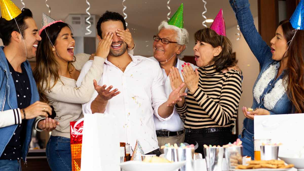 A Perfect Guide To Planning An Awesome Surprise Party For A Loved One