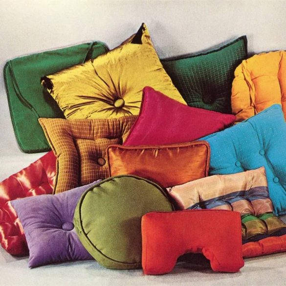 Stylish And Modern Pillows For Luxurious Room Décor: